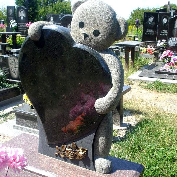 Памятник для ребенка из гранита